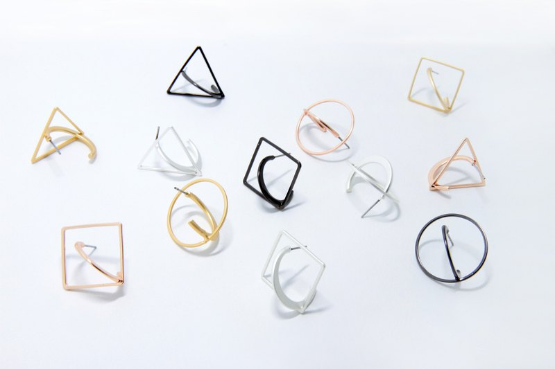 Solid geometry 3D single earrings _ rose gold _ black silver _ silver white _ fog gold