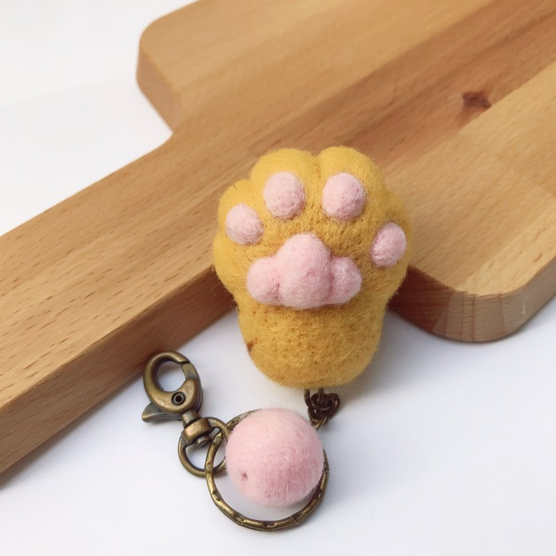 Cats palm __ wool felt key ring
