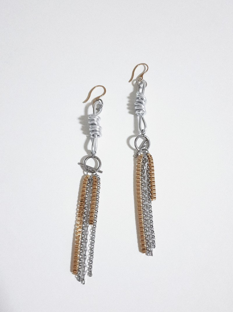 MAGGIE Earrings :SILVER