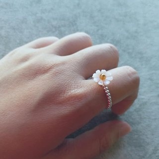 Fritillaria with small Bixi beads, 925 sterling silver bead ring (flexible) mother pearl flower & small tourmaline 925 silver ring