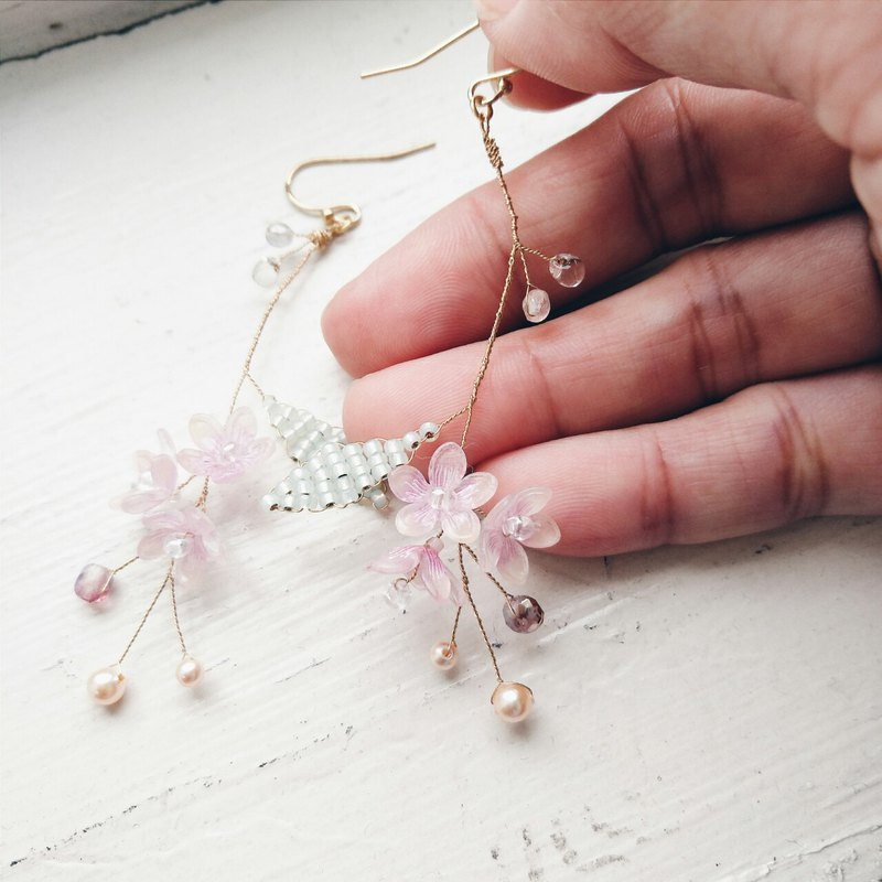 Momolico peach lily bouquet earrings