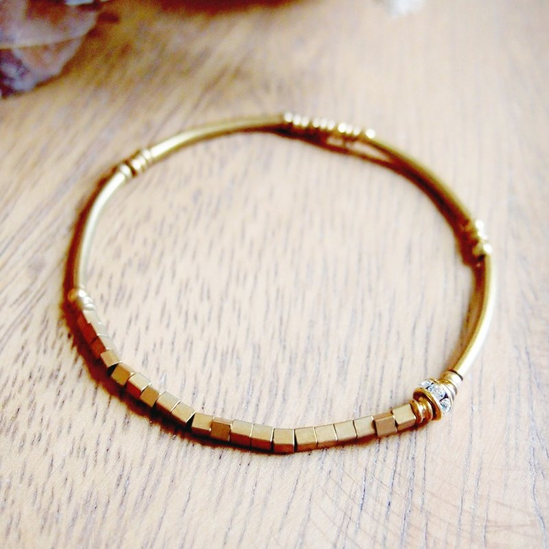 VIIART. Small changes. Zircon Diamond Brass Bracelet