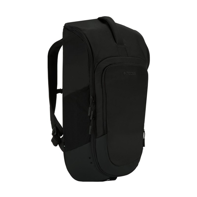"[INCASE] Sport Field Bag 15"" Sports Backpack (Black)"