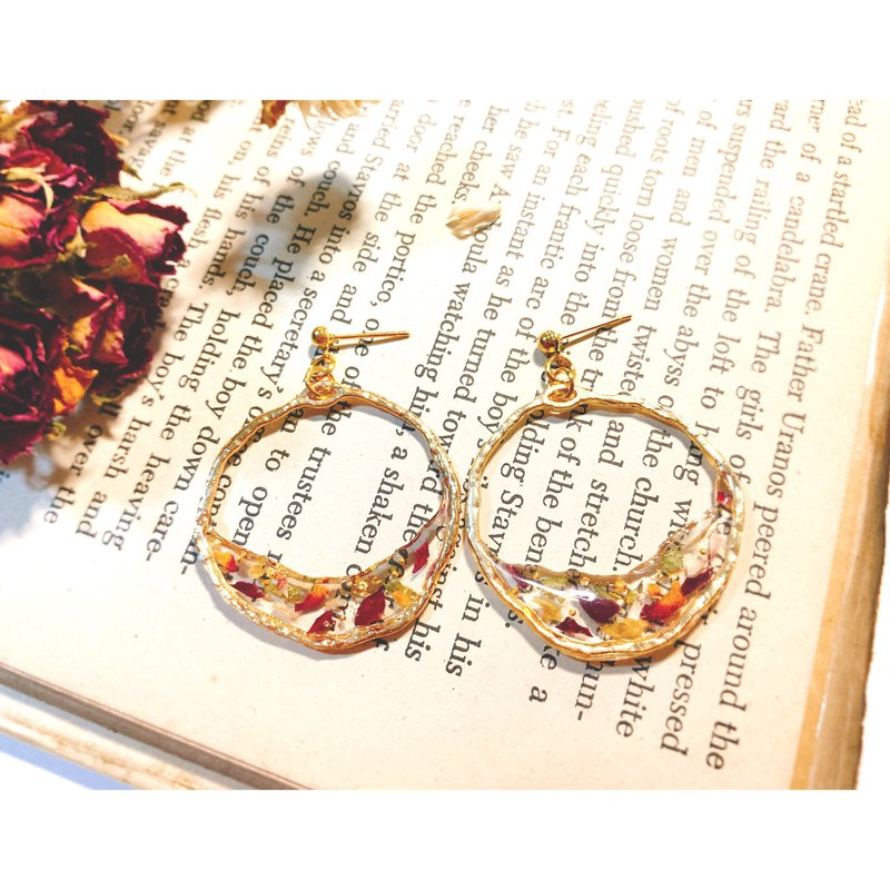 Rose Dry Flower / Fashion Irregular Round / Resin Handmade Earrings