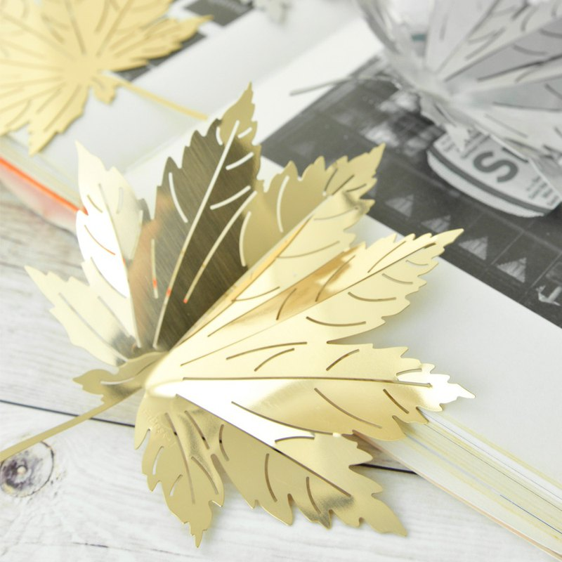 Desk+1 Bending Metal Series - Maple Leaf (gold)