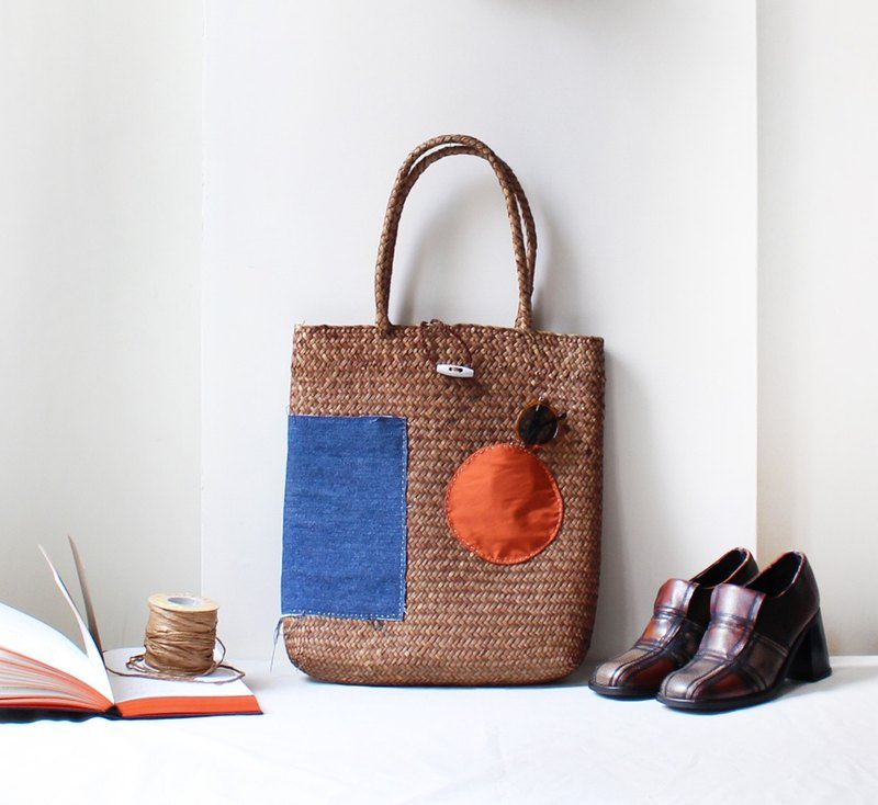 Geometrically woven bag