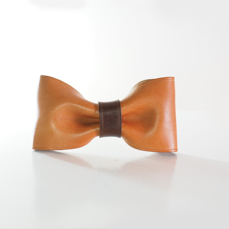 Leather Bowtie - Rust