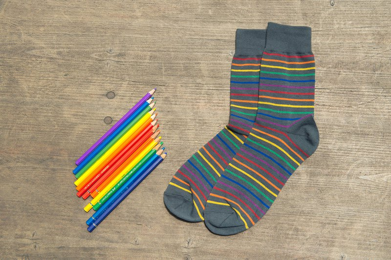 Fruit smooth rainbow striped socks gray