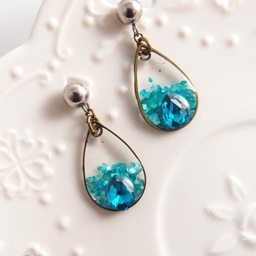 Blue Water Drop 【Cr0204-B】 Clip Style Earrings ● Needle Earrings 【Rhinestone Drop Earrings】