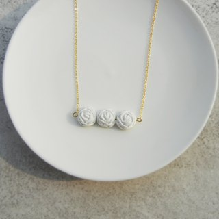 *Rocoubird*three roses necklace - pure white gold