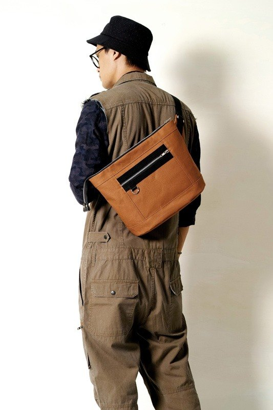School season MAPLE SYRUD-hand made leather glue waterproof canvas oblique side back / tablet / pocket