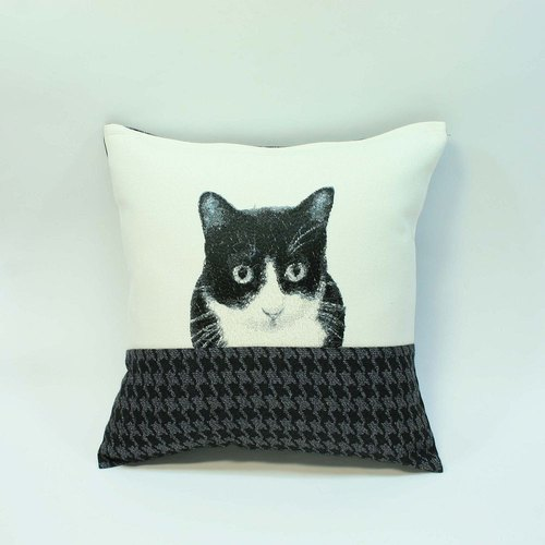 Small black and white cat embroidered pillow 03-