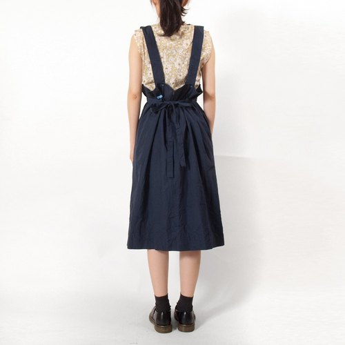 │moderato│ strap vintage retro Miss Dress │vintage. Forest retro. British literature and art. Japanese girl