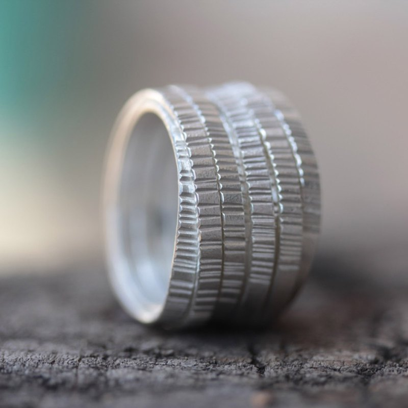 Handmade wraparound silver ring with hammered front texture (R0032)