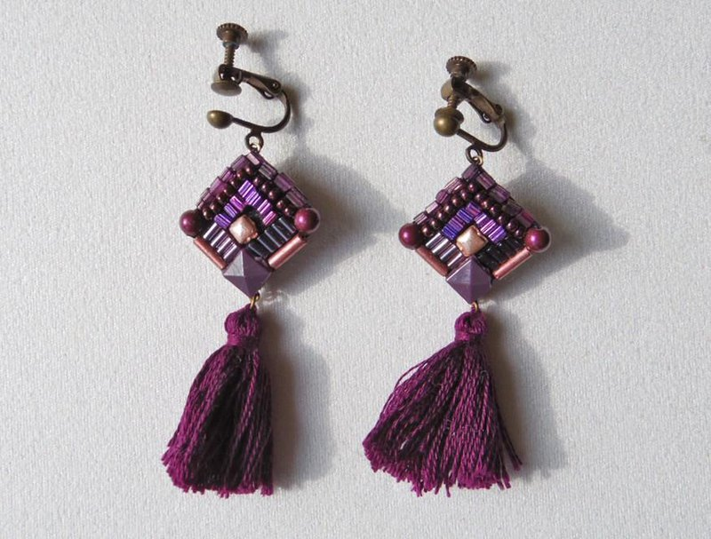 Shaking purple earrings & earrings