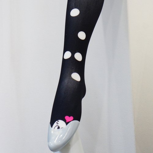 Braille tights  / mean is 「Beautiful legs」