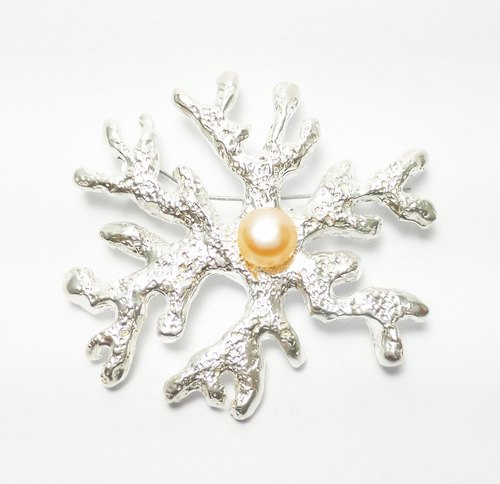 Large coral pearls. 925 sterling silver brooch