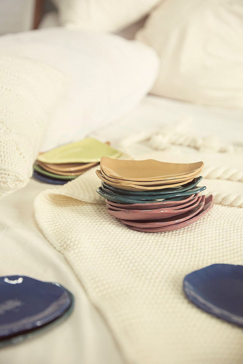 Ceramic PORCELAIN little plate 6 colors