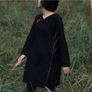 /bug eggs / V-neck black long-sleeved ocean