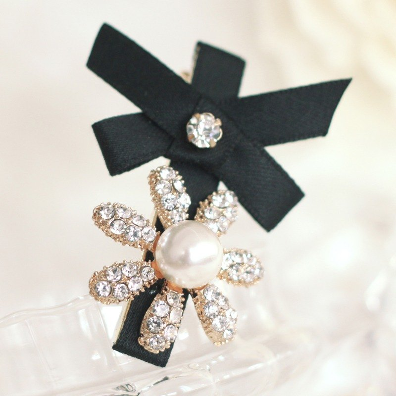 Pretty Flower Rhinestones Hair Clip