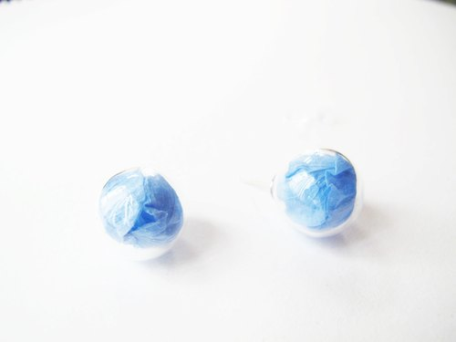 * Rosy Garden * Dried blue Hydrangea petals glass ball earrings