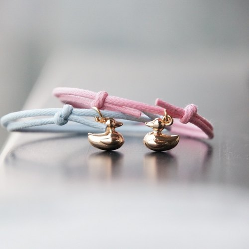 ITS: 900 [Healing series · ~ Fall in love with the ugly duckling ~ A] ugly duckling pendant / wax rope bracelet 1. Pink / light blue / black.
