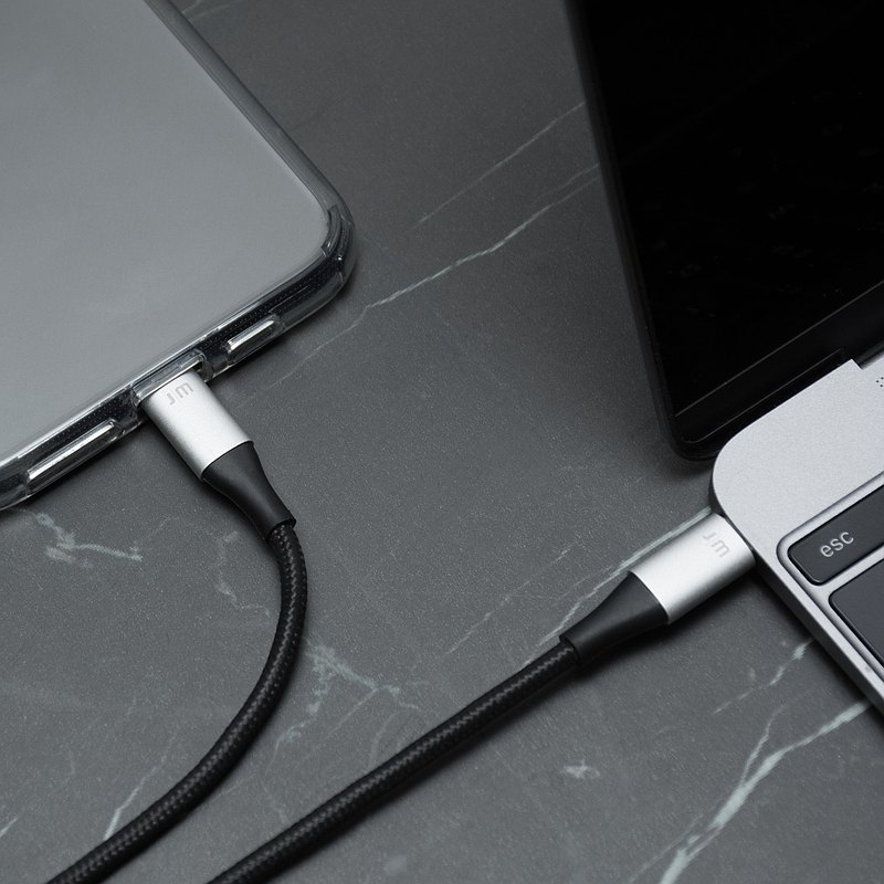 AluCable USB-C to Lightning Cable