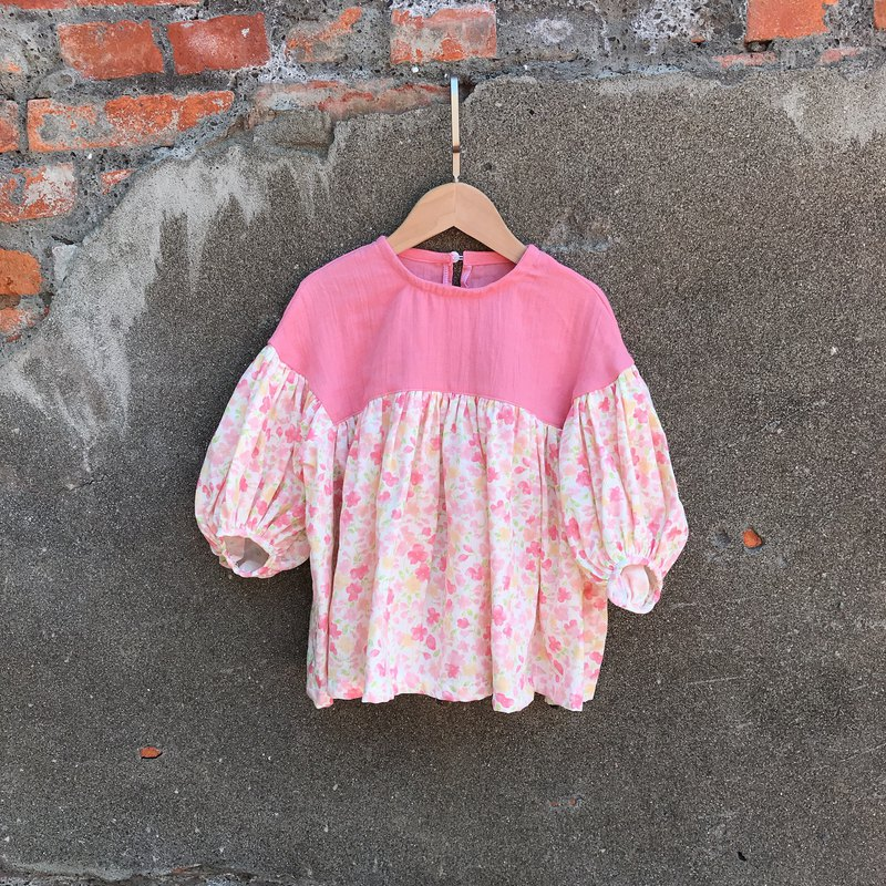 Puff-sleeve top-tender crushed flower