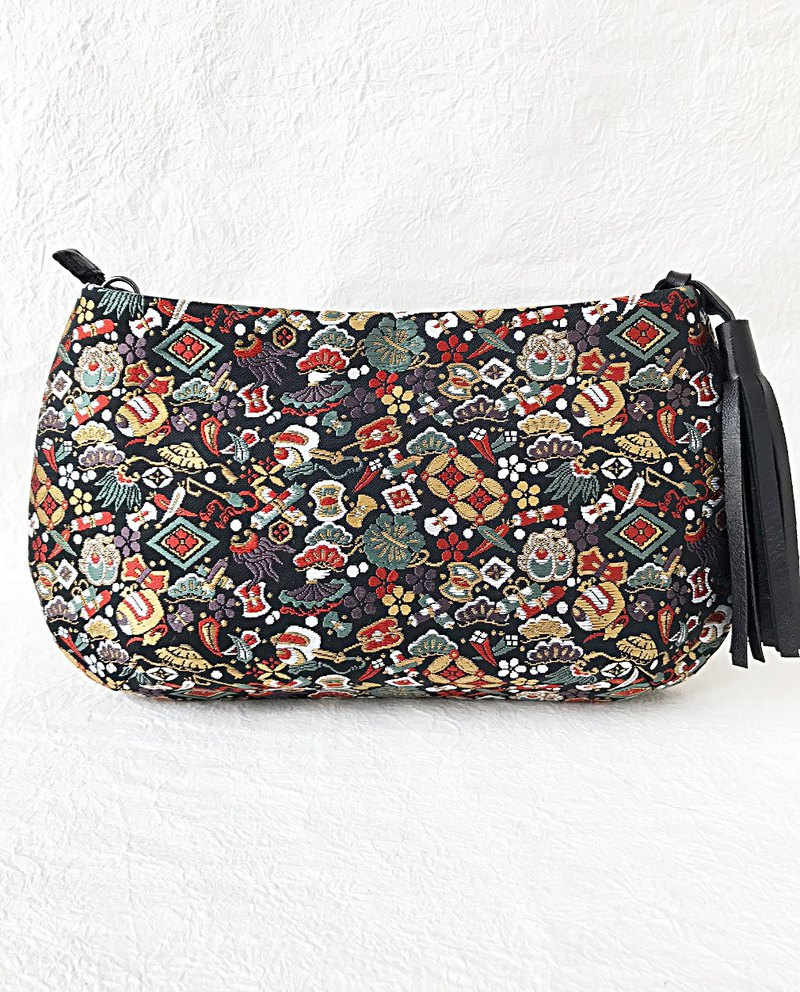 Treasury clutch bag
