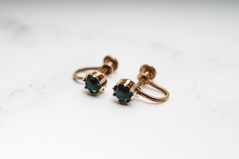 [Antique jewelry / Western old] VINTAGE emerald simple single diamond vintage clip earrings