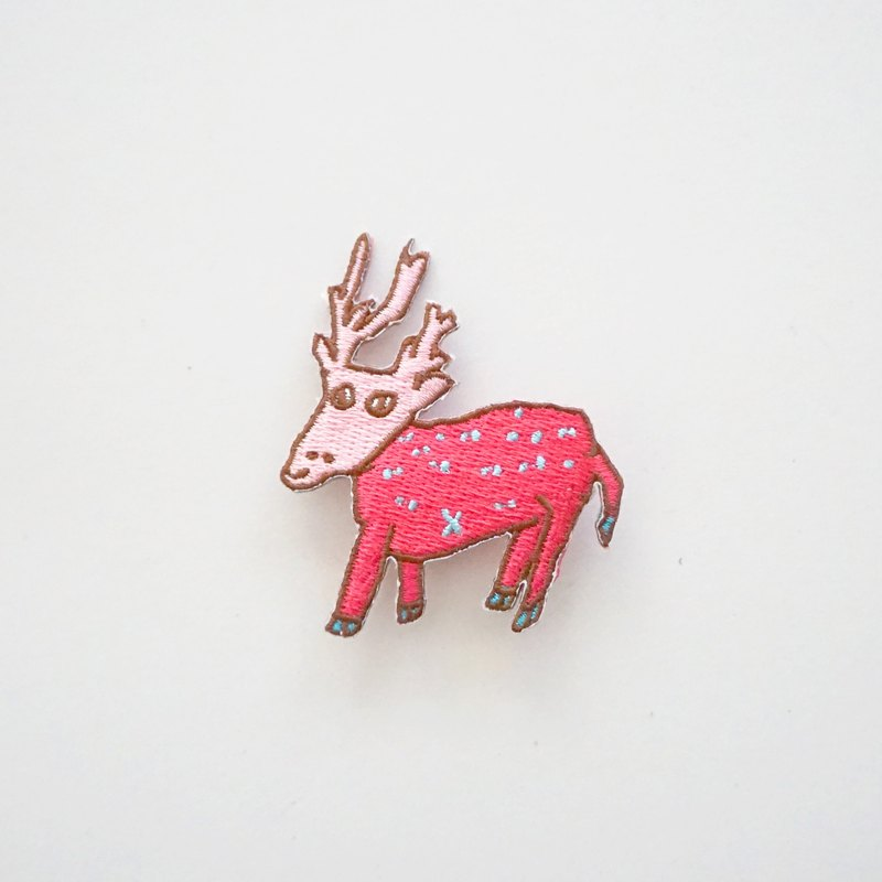 Peach powder star deer embroidery pin patch