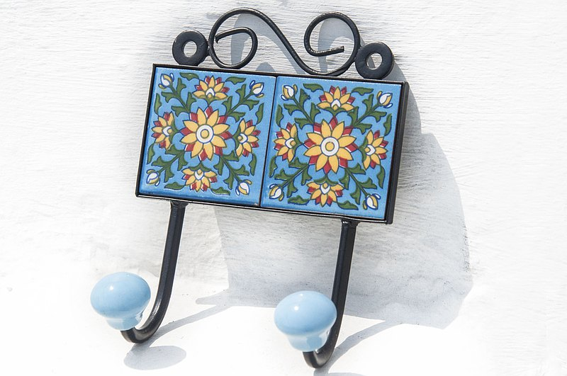 British retro hand-painted ceramic hook / ceramic hook / ceramic window hook-Portuguese style leaf flower