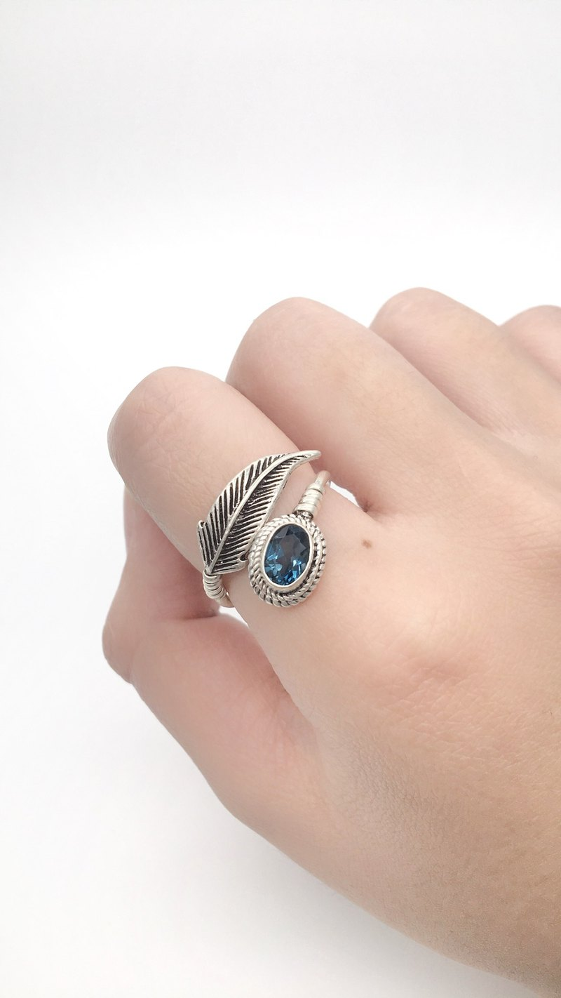 Blue Topaz 925 Sterling Silver Feather Design Ring Nepalese Handmade Silver