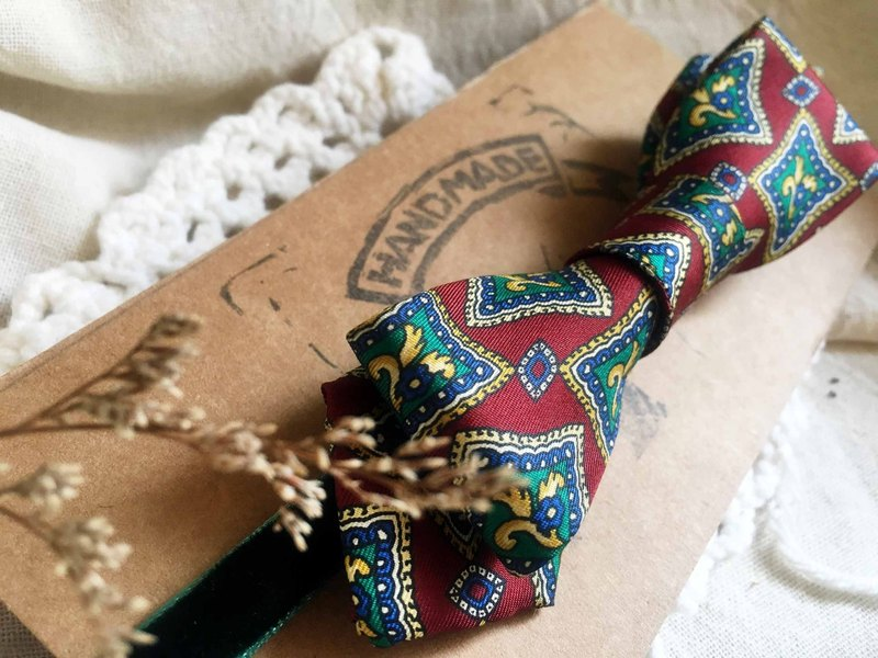 Marriage Graduation Gift - Antique Cloth Tie Tie Handmade Bow Tie - Milan Red - Narrow Edition