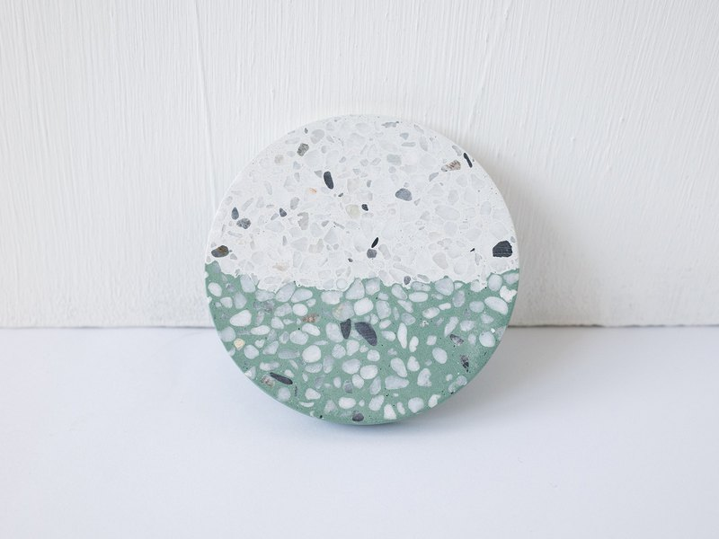 No Sight Room│The only non-white white and green mosaic terrazzo cement coaster
