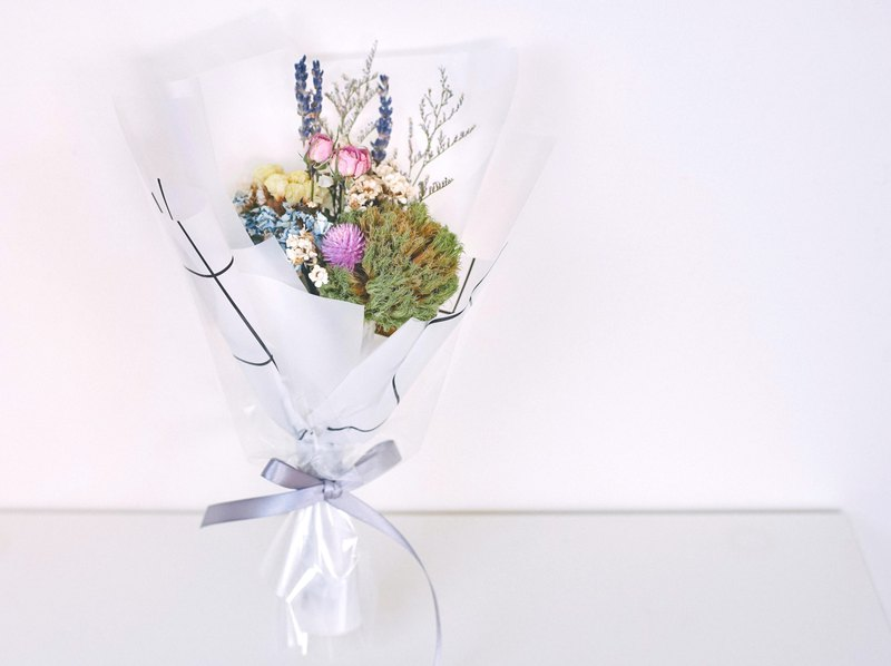 Natural Dry Bouquet - Summer Picnic with Green Dianthus and Blue Hydrangea - Limited Edition