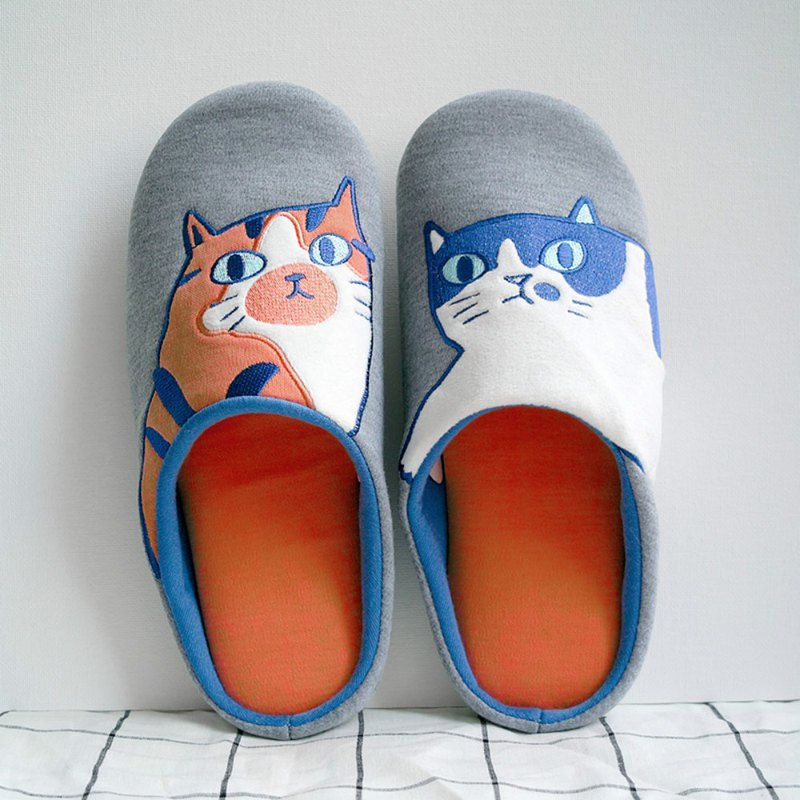 Red and blue CP indoor warm cat male and female slippers cute comet couple wood floor can be machine wash slippers