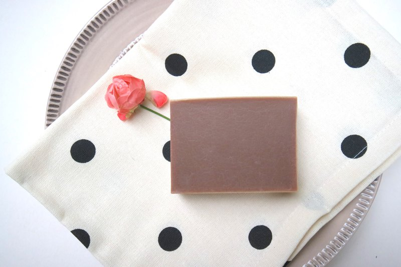 Cocoa moisturizing soap [Audrey Hepburn] - edible grade cocoa butter into soap, moisturizing bathing dry muscle
