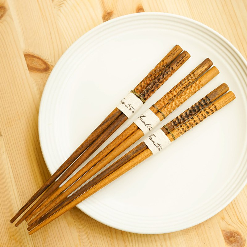 Natural teak chopsticks - wave point │ edible peace of mind not painted raw wood