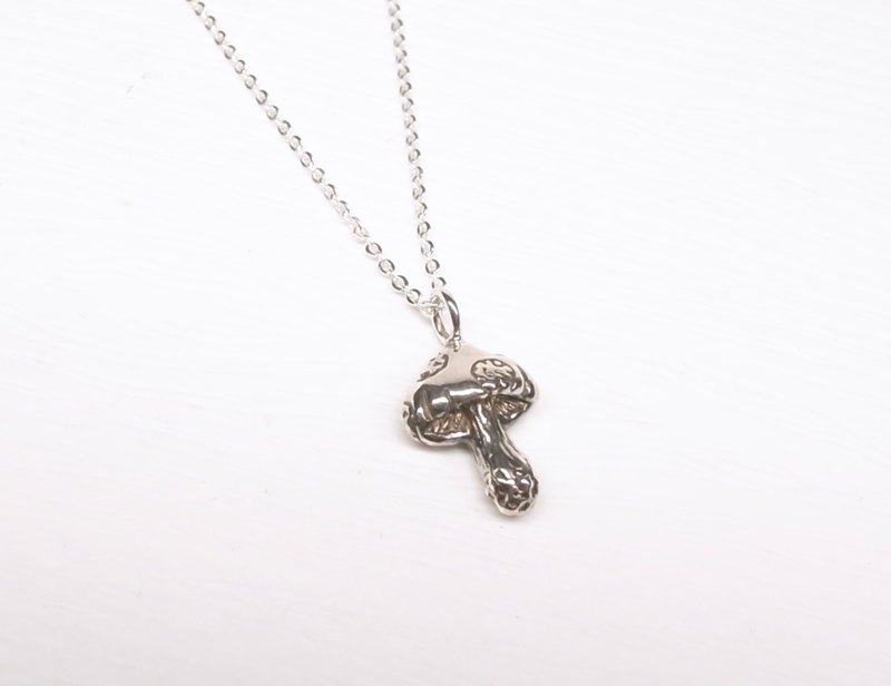 Two hair silver [small mushroom sterling silver necklace]