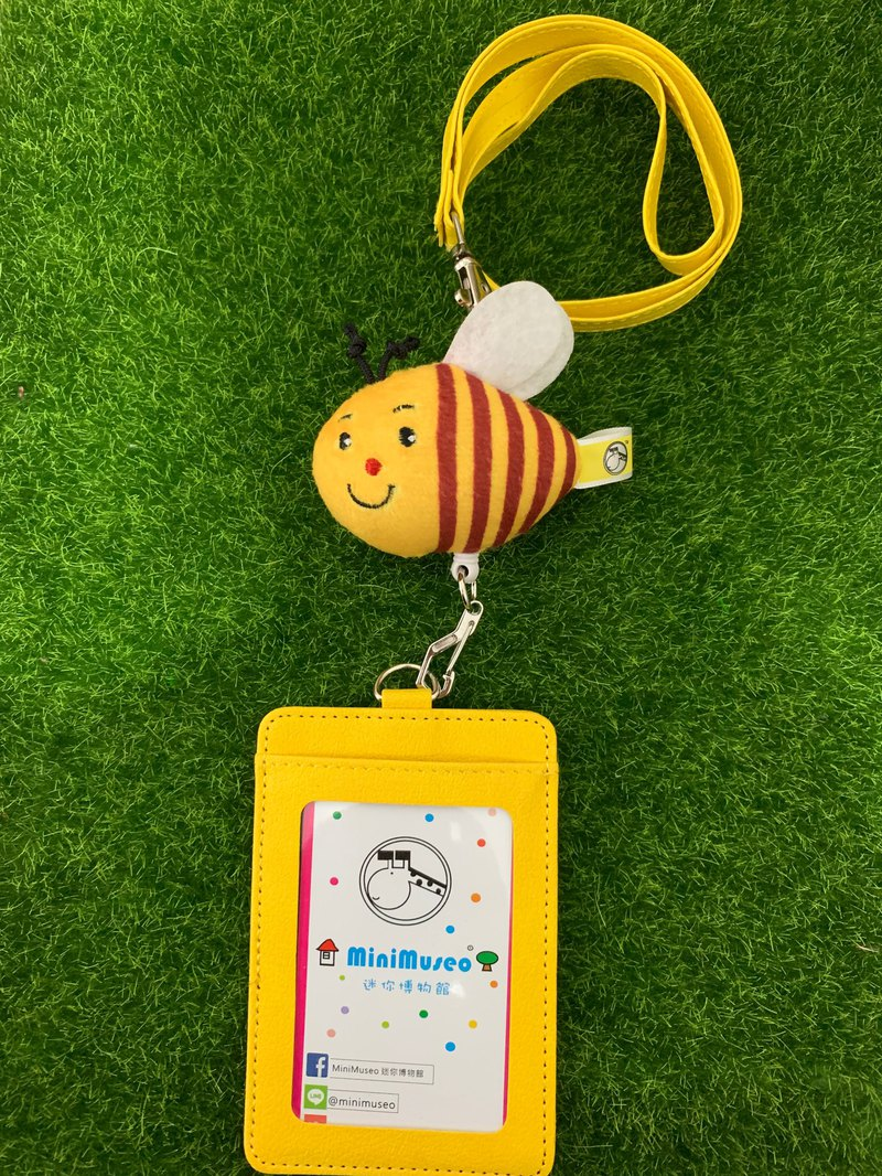 Amazing bee chest rope retractable ID card set