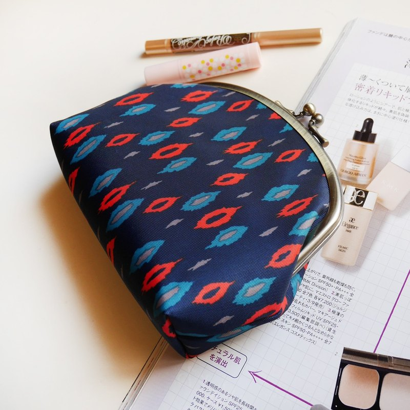 Sauron Eye Cosmetic Bag / Sliced ​​Bag / Portkin Bag [Made in Taiwan]