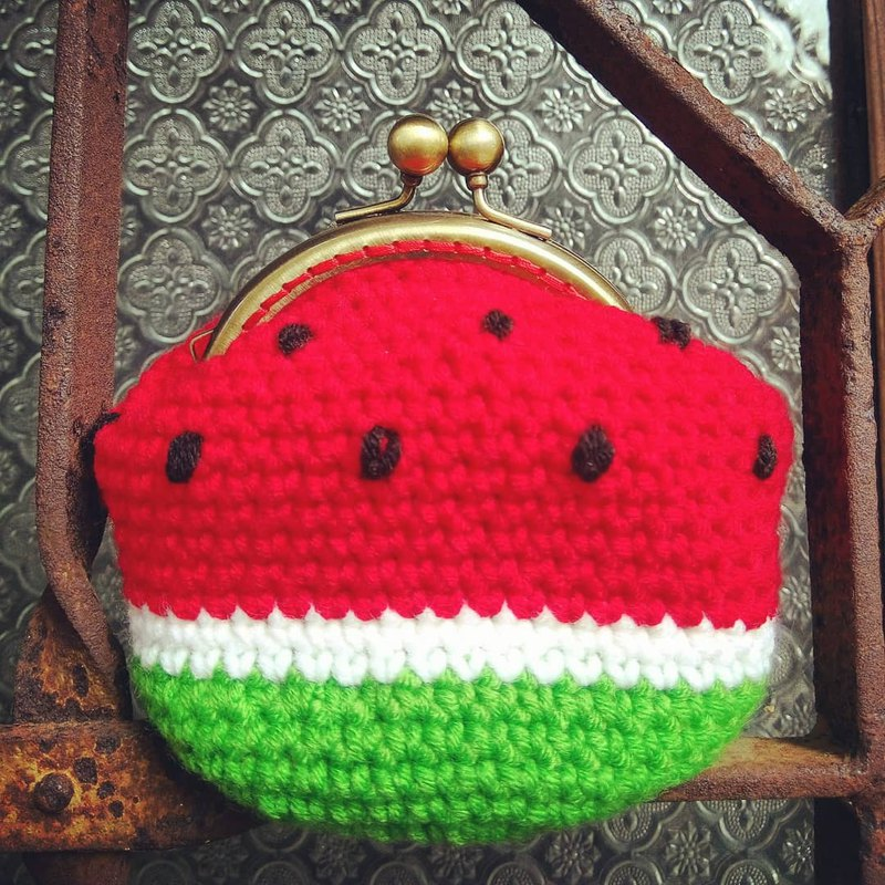 Watermelon type gold bag