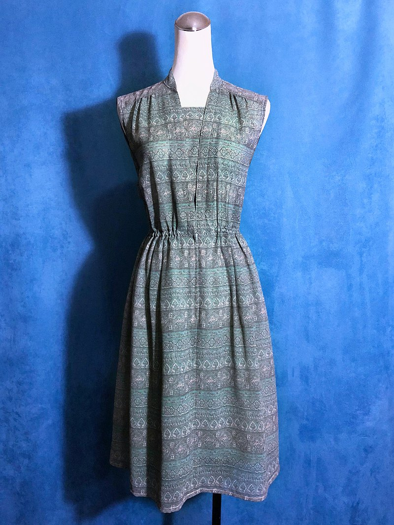 Classic Totem Sleeveless Vintage Dress / Bring VINTAGE abroad