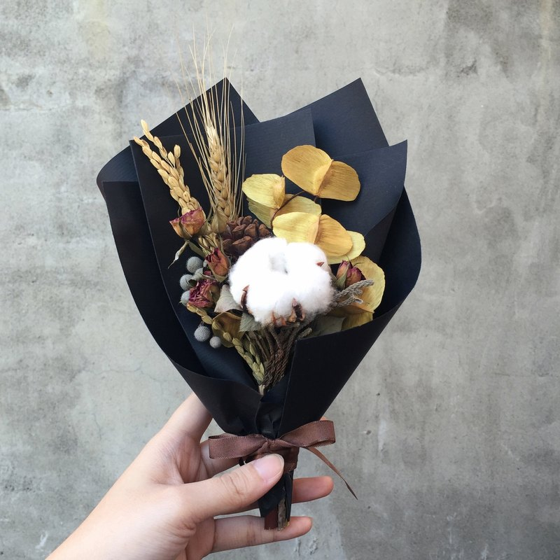 Cotton mini rose dry bouquet