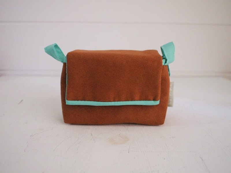 Plain face buckle with camera bag zipper - suede brown + water green (spot)