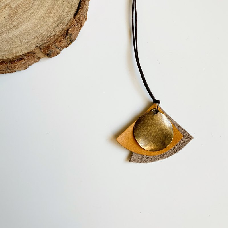 Textured Simple Irregular Geometric Leather Necklace Bronze Yellow Tea Handmade
