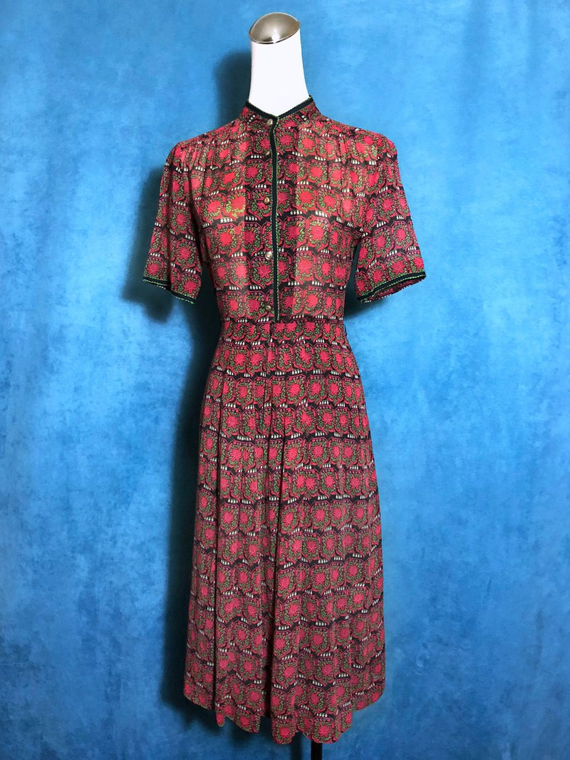 Printed embroidered piping short-sleeved vintage dress / brought back to VINTAGE abroad