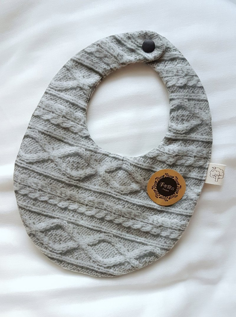 Twisted double-sided egg-shaped bib - octopus 100% cotton. gray