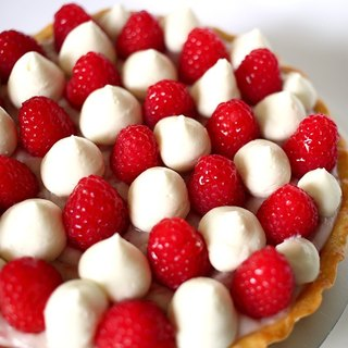 Raspberry Crème Chantilly tart